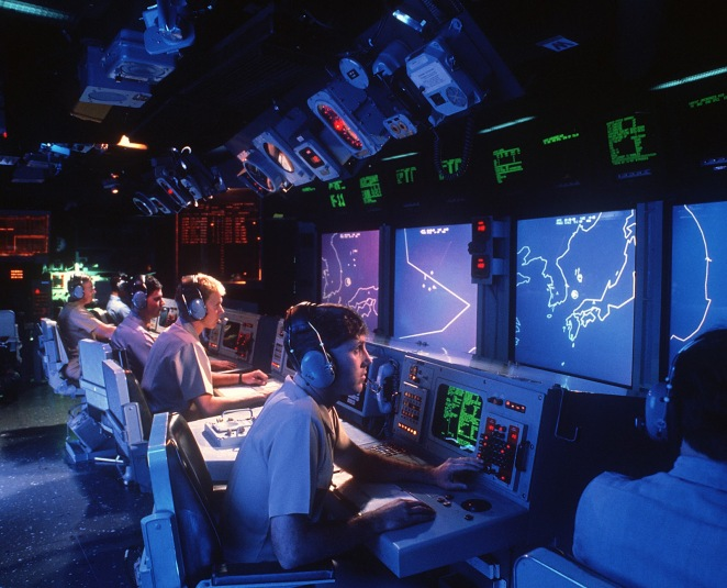 USS_Vincennes_(CG-49)_Aegis_large_screen_displays