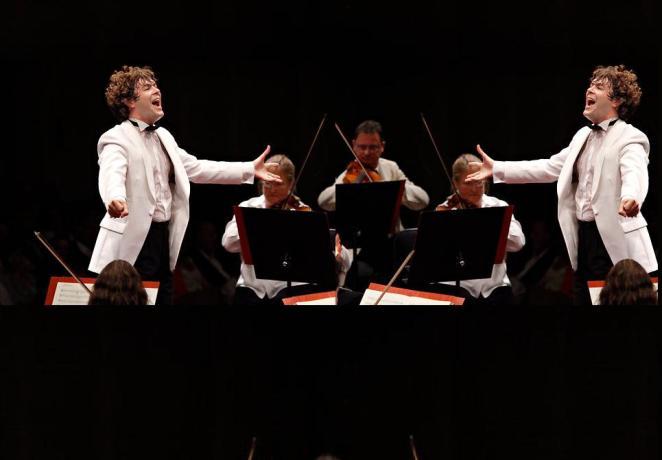 singerdirector1a1.jpg
