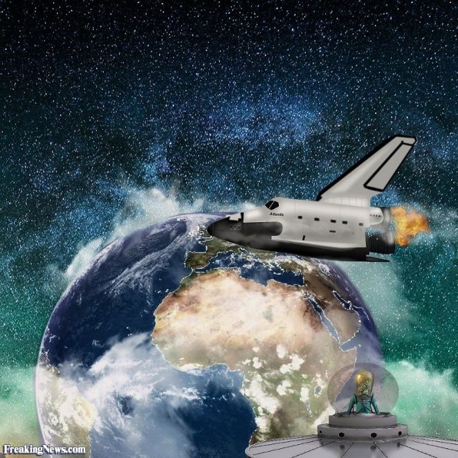 short-space-shuttle-in-space-128295